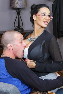 Nikki Benz And Amy Anderssen Ride Dick