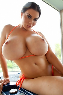 Linsey Dawn McKenzie Is Wet And Great