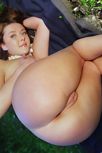 Teen Babe Ass In The Spring