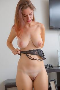 Nude Marina Rossi